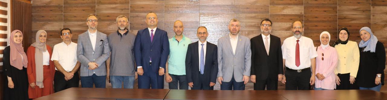 اجتماع أعضاء الهيئة التدريسية لكلية إدارة الأعمال في جامعة طرابلس (1/3)