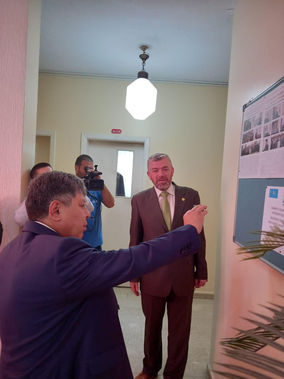 البعثة الدبلوماسية لجمهورية كازاخستان  في لبنان تزور جامعة طرابلس (3/13)