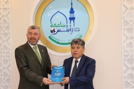 البعثة الدبلوماسية لجمهورية كازاخستان  في لبنان تزور جامعة طرابلس (1/13)