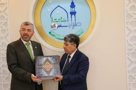 البعثة الدبلوماسية لجمهورية كازاخستان  في لبنان تزور جامعة طرابلس (4/13)