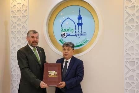 البعثة الدبلوماسية لجمهورية كازاخستان  في لبنان تزور جامعة طرابلس (5/13)