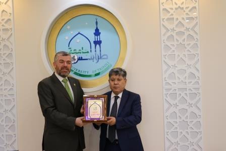 البعثة الدبلوماسية لجمهورية كازاخستان  في لبنان تزور جامعة طرابلس (6/13)