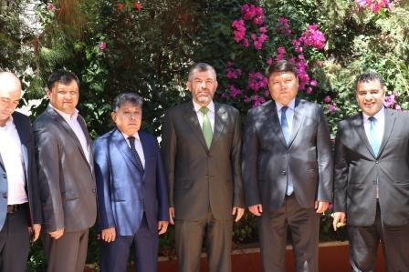 البعثة الدبلوماسية لجمهورية كازاخستان  في لبنان تزور جامعة طرابلس (8/13)