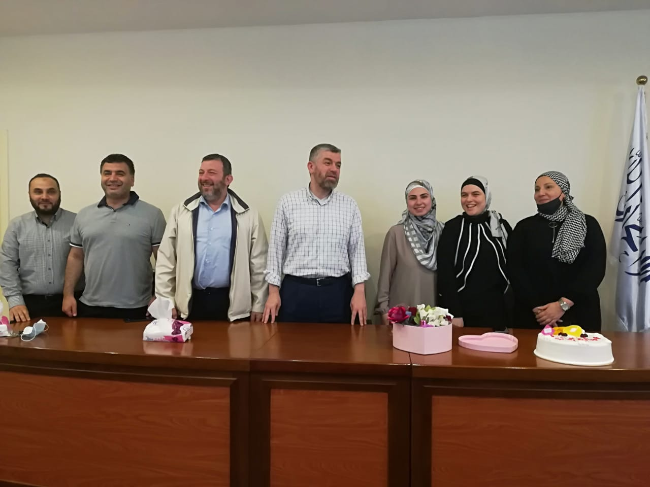 جامعة طرابلس تبارك لطالبتها في كلية التربية لارا كمال الدين بمناسبة ارتدائها الحجاب (3/3)