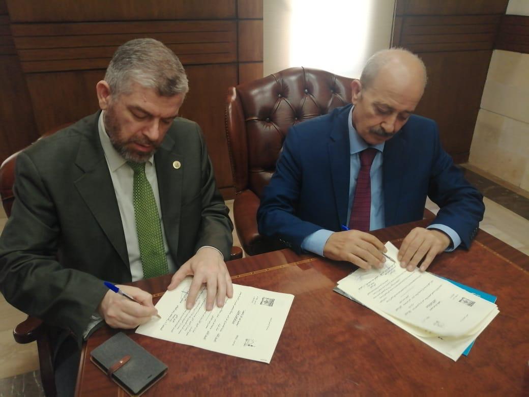 جامعة طرابلس توقع بروتوكول تعاون مع نقابة المحامين في طرابلس (1/4)