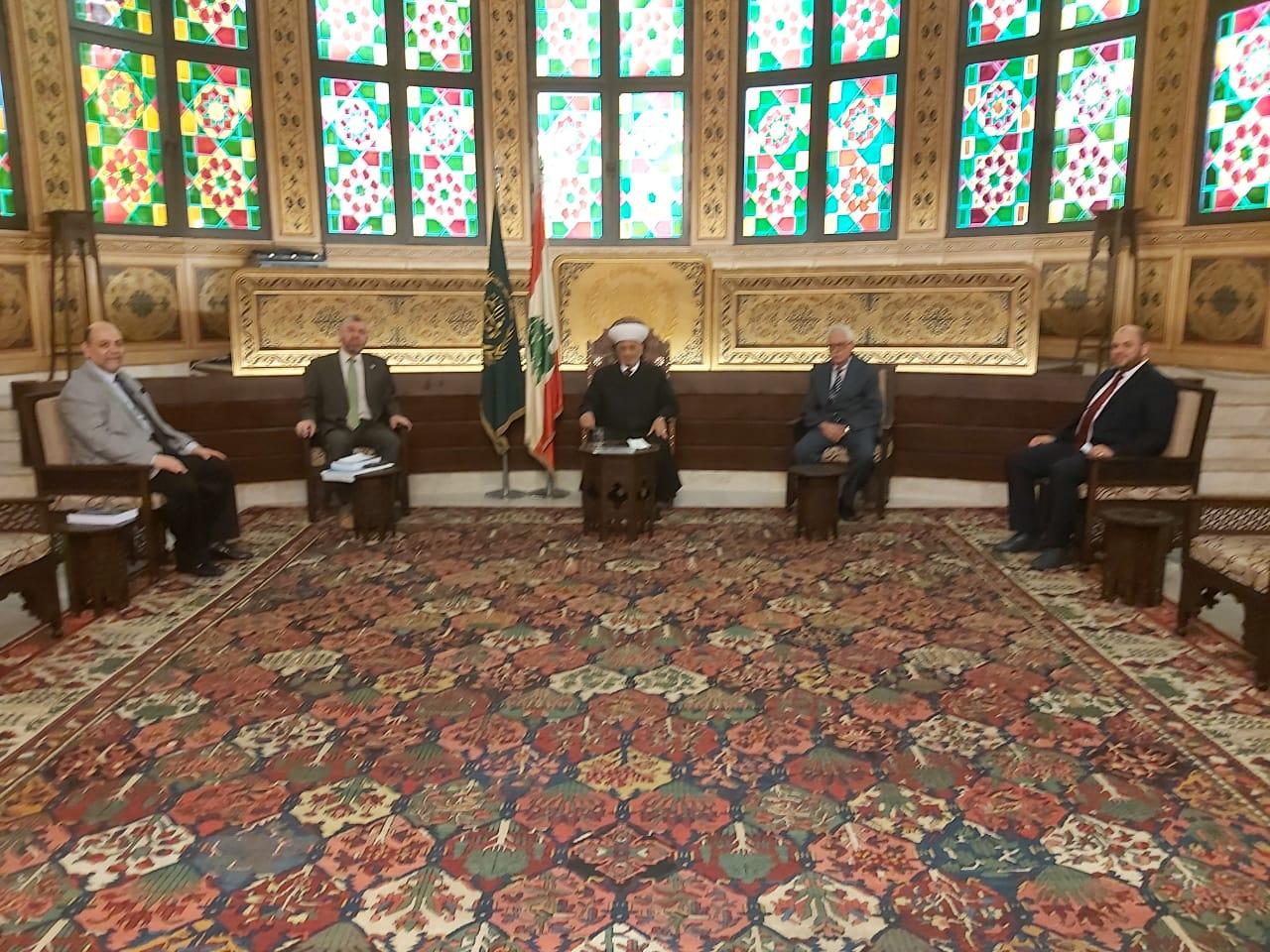 وفد جامعة طرابلس في زيارة مفتي الجمهورية اللبنانية  (2/5)