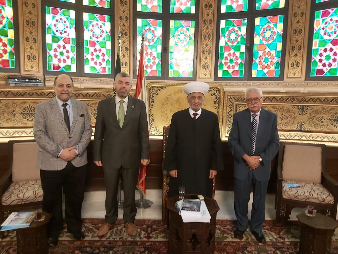 وفد جامعة طرابلس في زيارة مفتي الجمهورية اللبنانية  (4/5)