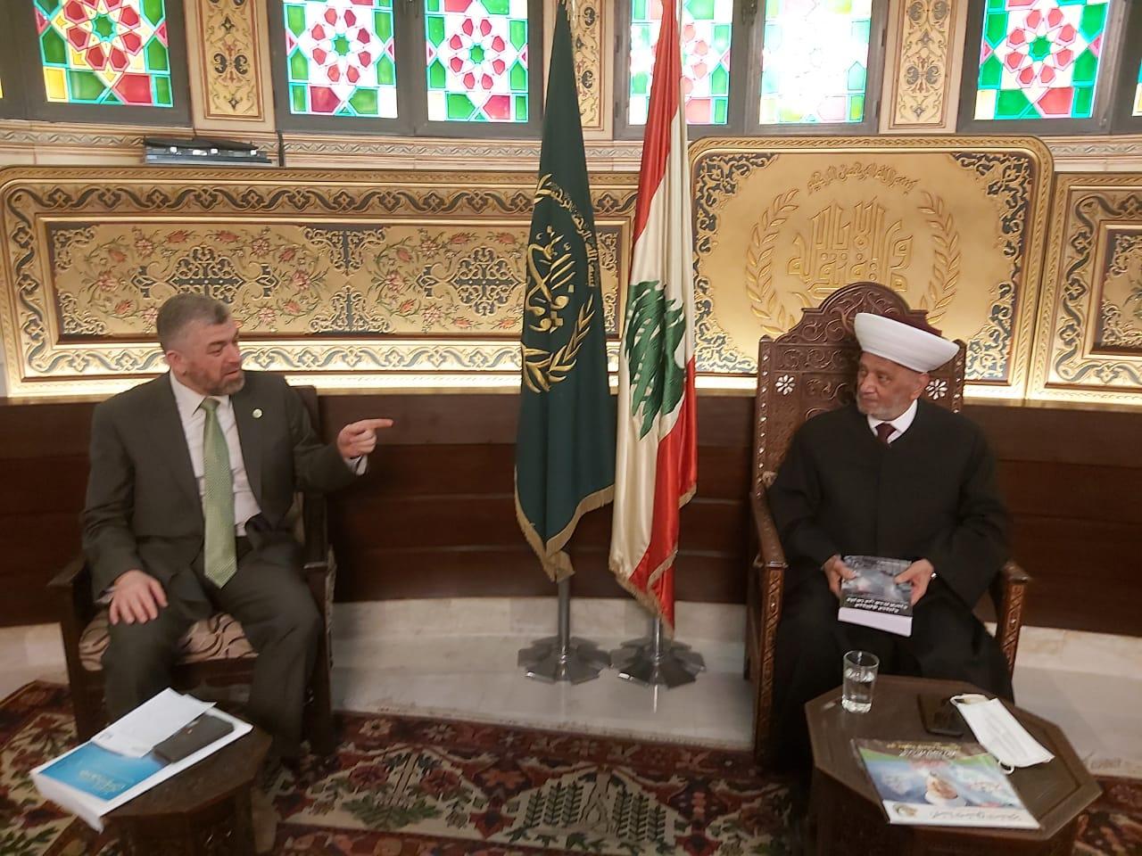 وفد جامعة طرابلس في زيارة مفتي الجمهورية اللبنانية  (1/5)