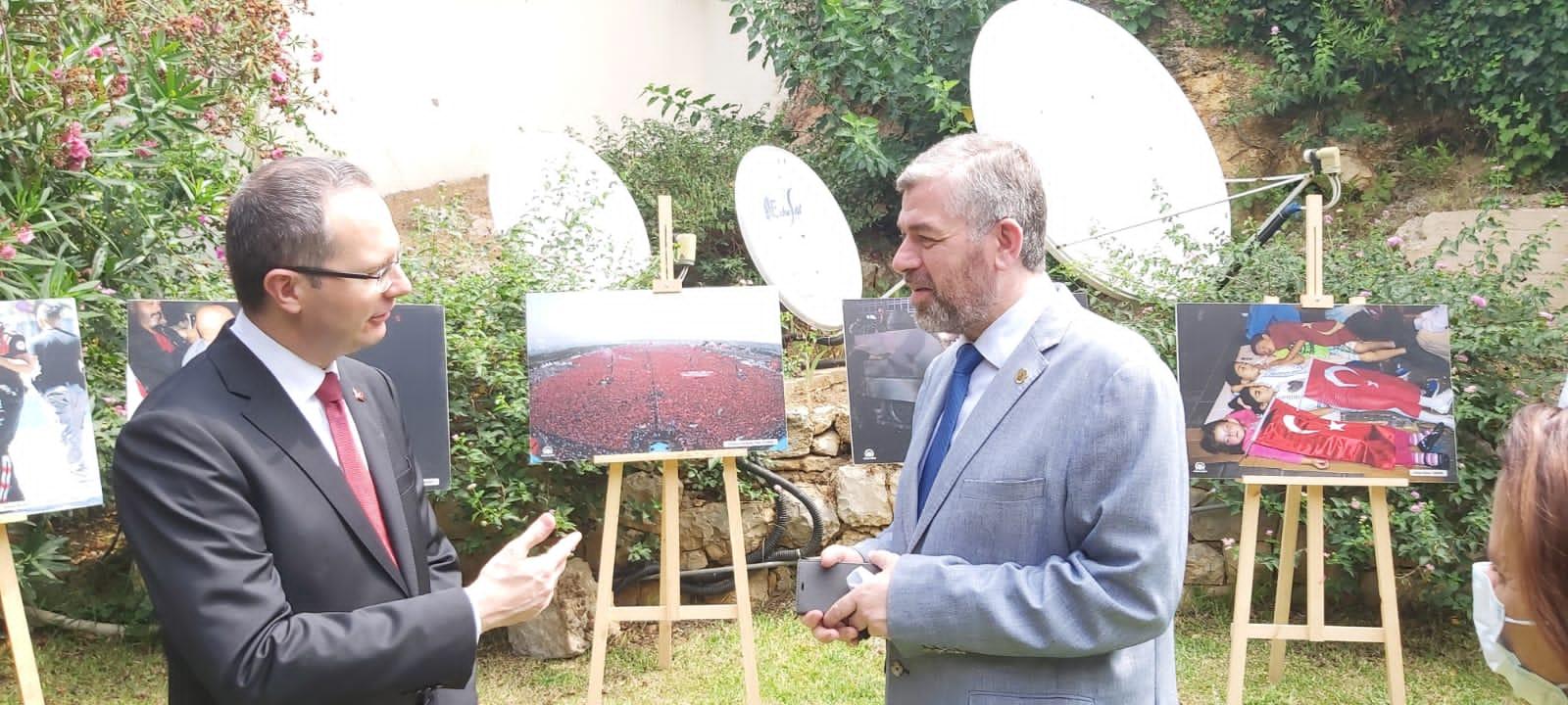 رئيس جامعة طرابلس مشاركا في حفل السفارة التركية (5/6)