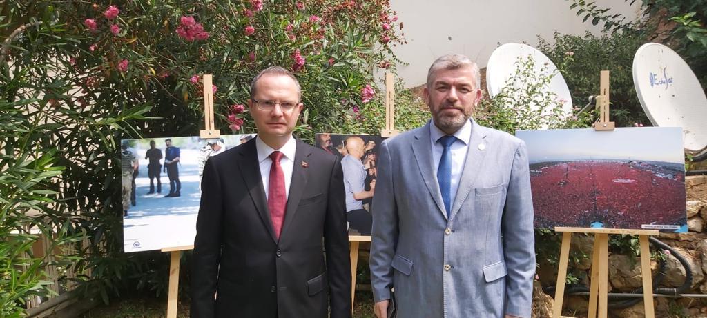 رئيس جامعة طرابلس مشاركا في حفل السفارة التركية (1/6)