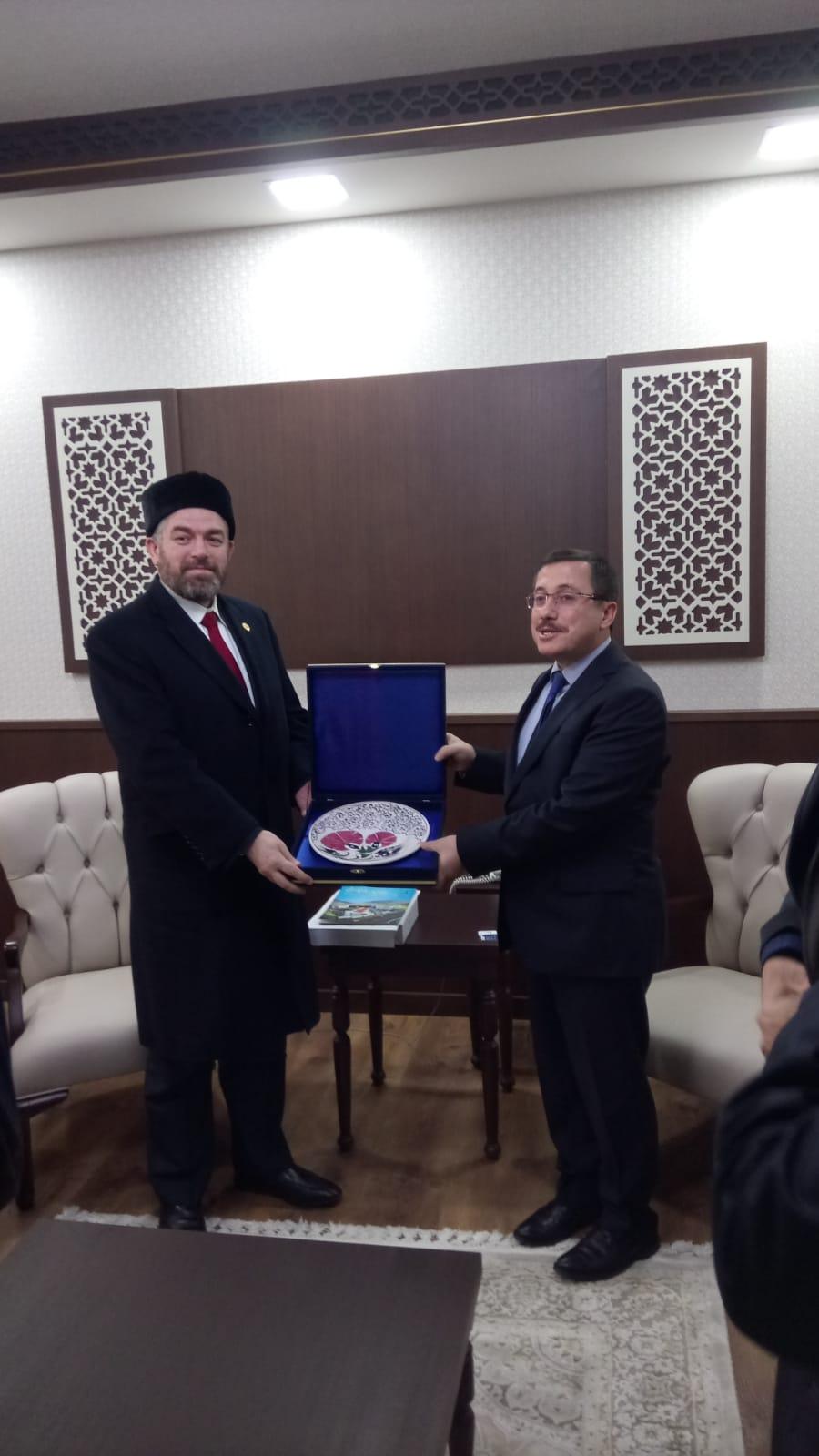 رئيس جامعة طرابلس مشاركا في المؤتمر الدولي لجامعة إينونو في تركيا وموقعا اتفاقية تعاون علمي وثقافي (2/2)