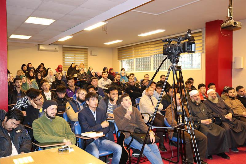العلّامة الشيخ محمد صالح الغرسي محاضراً في جامعة طرابلس (5/6)