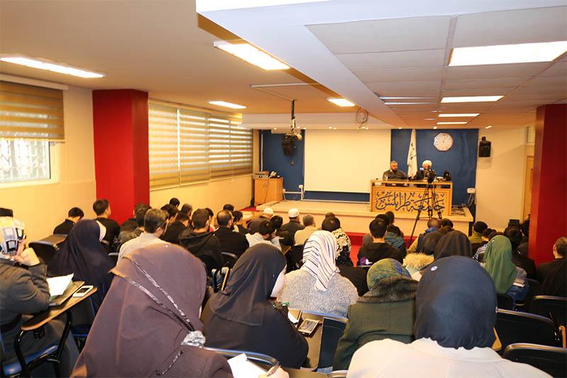 العلّامة الشيخ محمد صالح الغرسي محاضراً في جامعة طرابلس (6/6)
