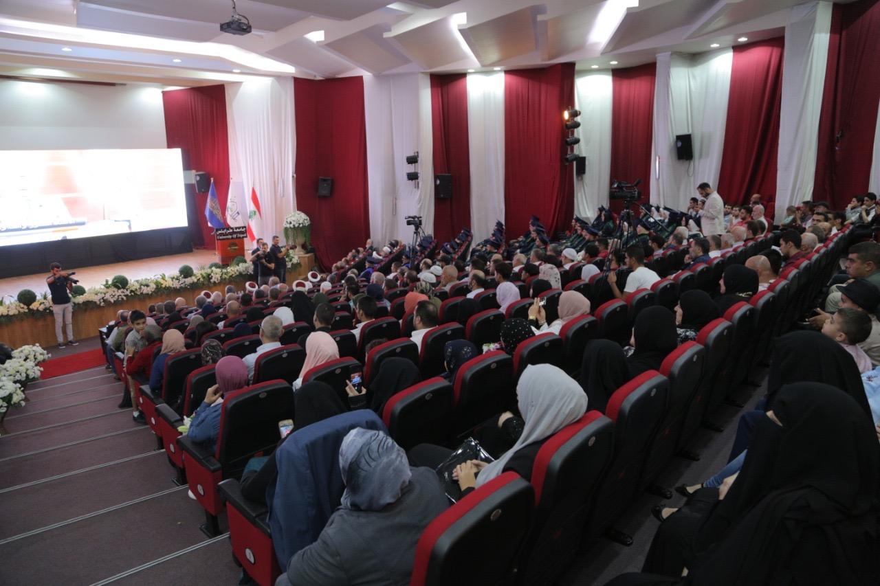 جامعة طرابلس تحتفل بتخريج الدفعة الواحدة والثلاثين من طلابها تحت شعار: