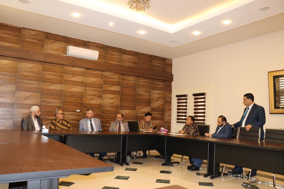 السفير الأندونيسي يزور جامعة طرابلس (5/7)