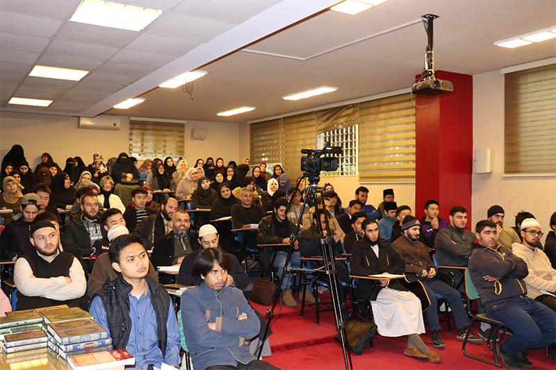 ندوة في جامعة طرابلس  بمناسبة اليوم العالمي للغة العربية (2/6)