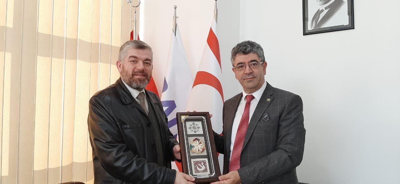 وفد من جامعة طرابلس يزور  قبرص ويجري سلسلة لقاءات علمية (1/5)
