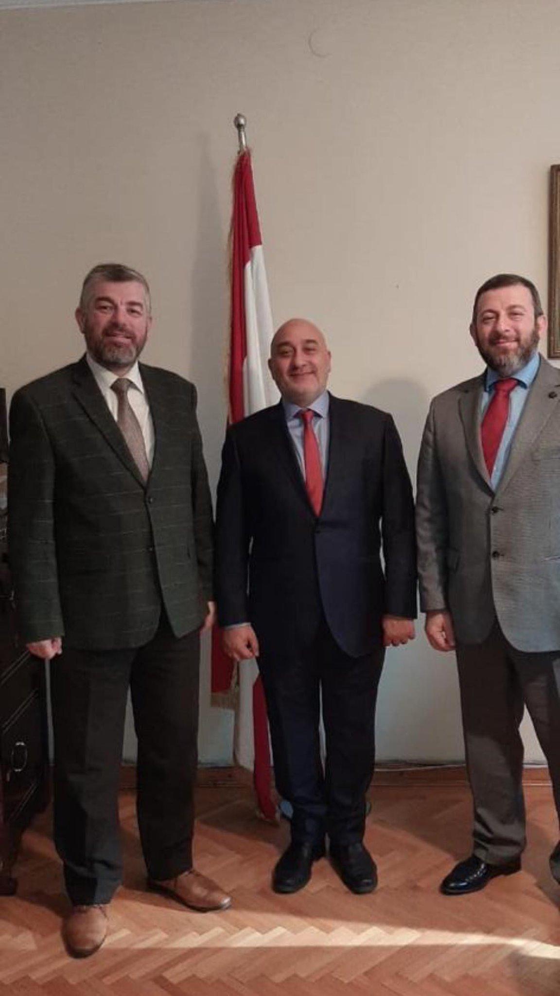 وفد من جامعة طرابلس بزيارة أكاديمية وعلمية إلى تركيا  (3/5)