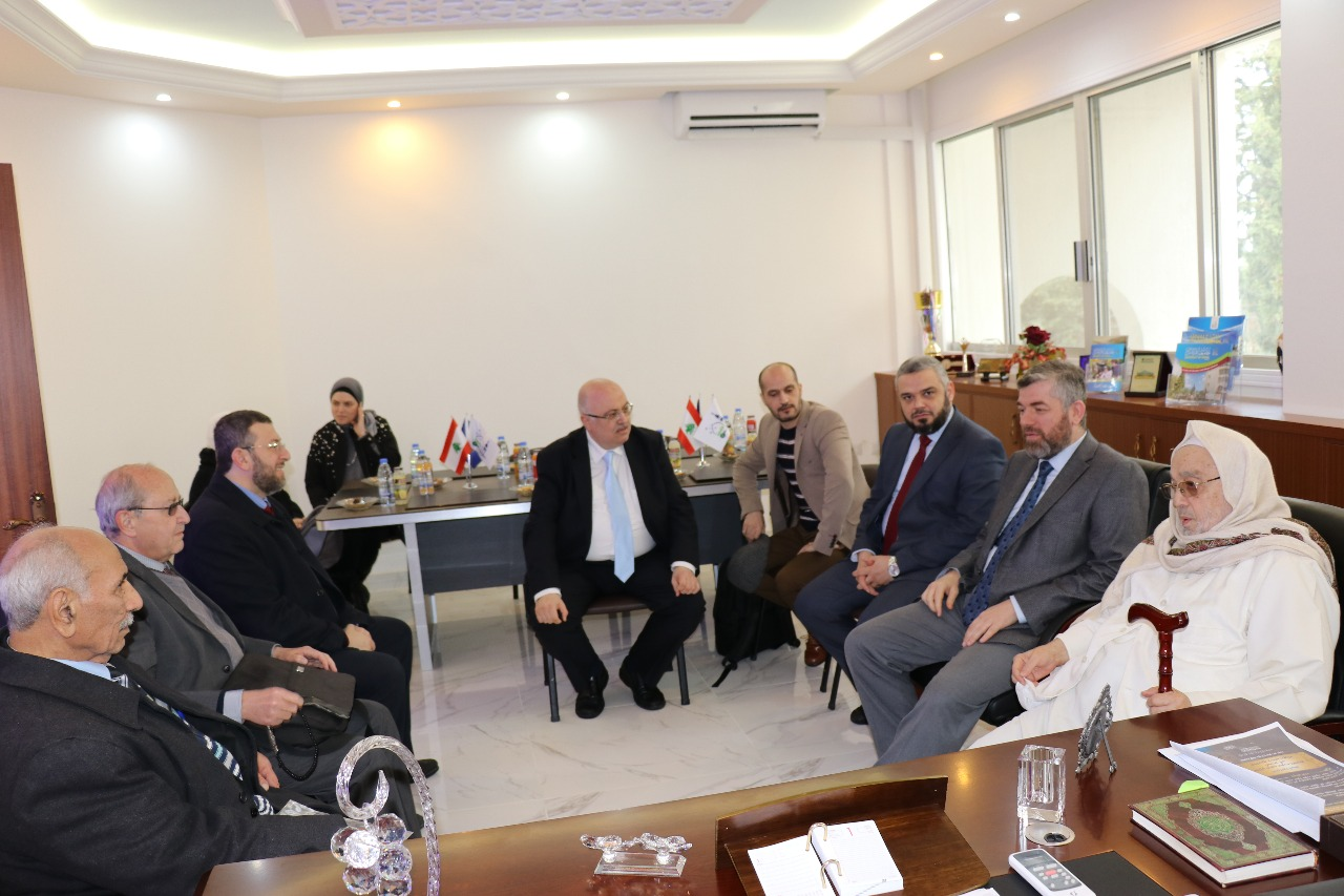 يوم علمي في جامعة طرابلس (1/20)