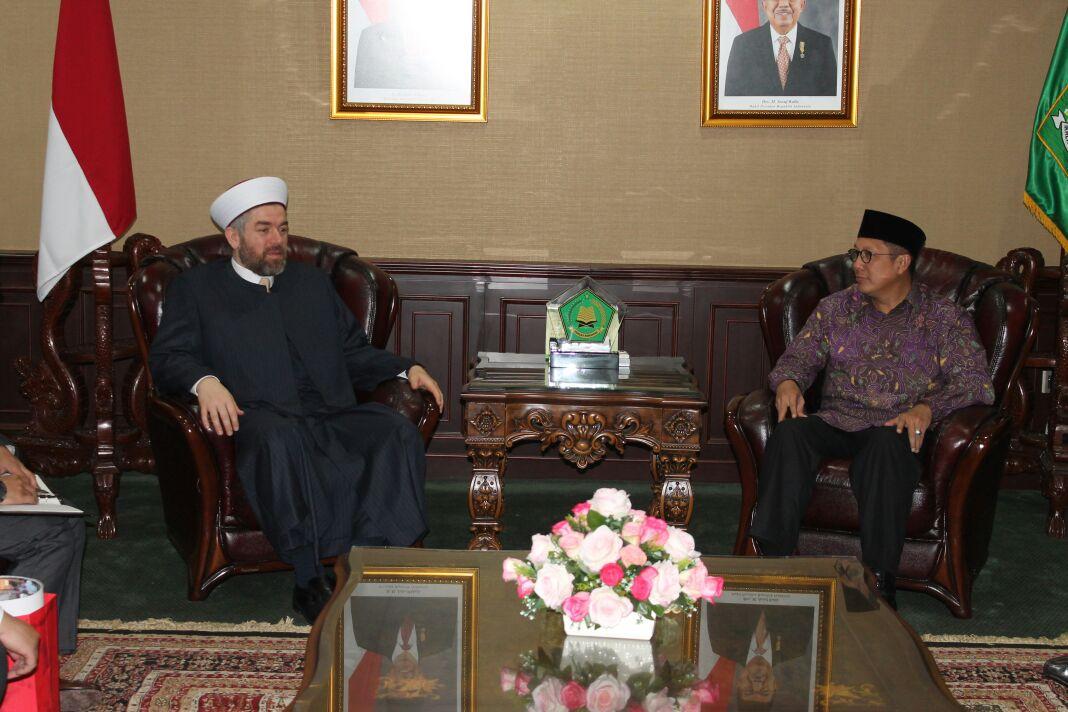 رئيس جامعة طرابلس في زيارة رسمية لجمهورية إندونيسيا (2/8)