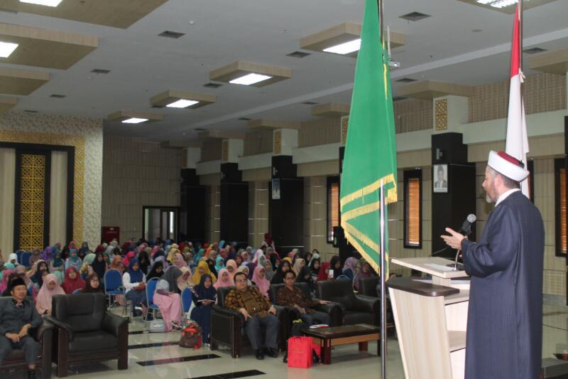 رئيس جامعة طرابلس في زيارة رسمية لجمهورية إندونيسيا (6/8)