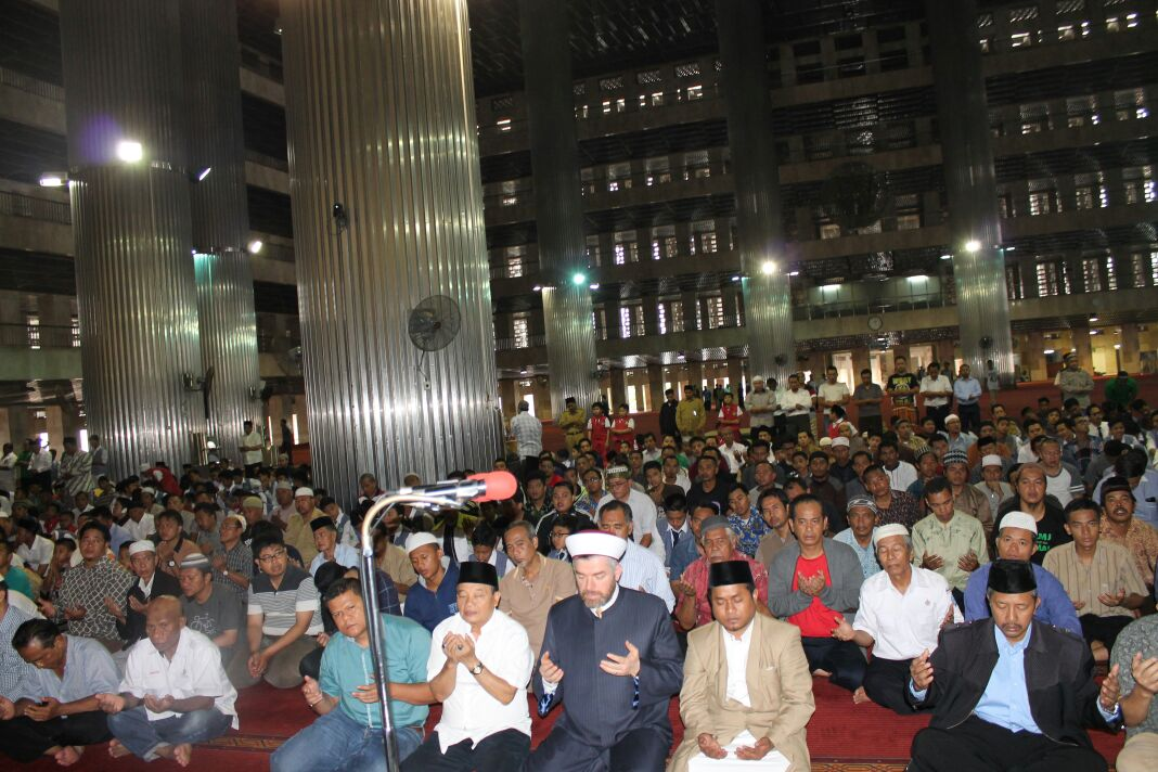 رئيس جامعة طرابلس في زيارة رسمية لجمهورية إندونيسيا (8/8)