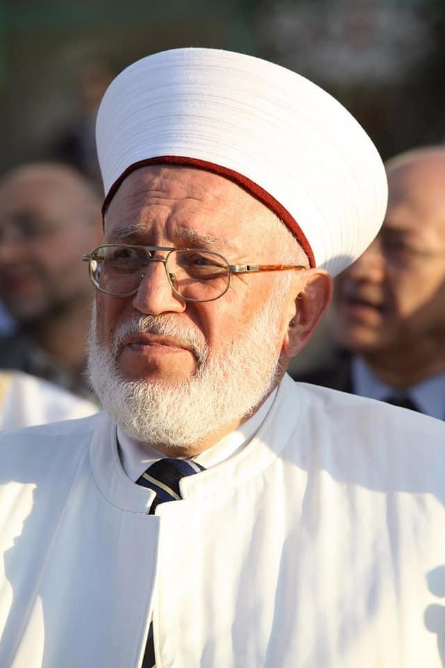 سماحة الشيخ محمد رشيد الميقاتي مكرماً في  الحفل الختامي لجائزة العزم لحفظ القرآن الكريم (2/7)