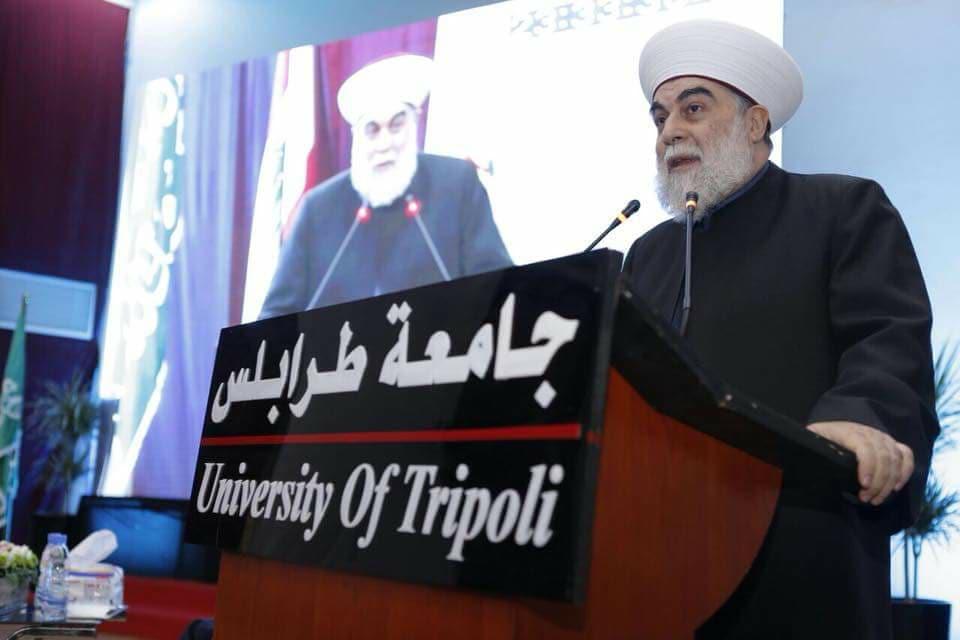 جامعة طرابلس تحتفل بتخريج الدفعة التاسعة والعشرين من طلابها (6/11)