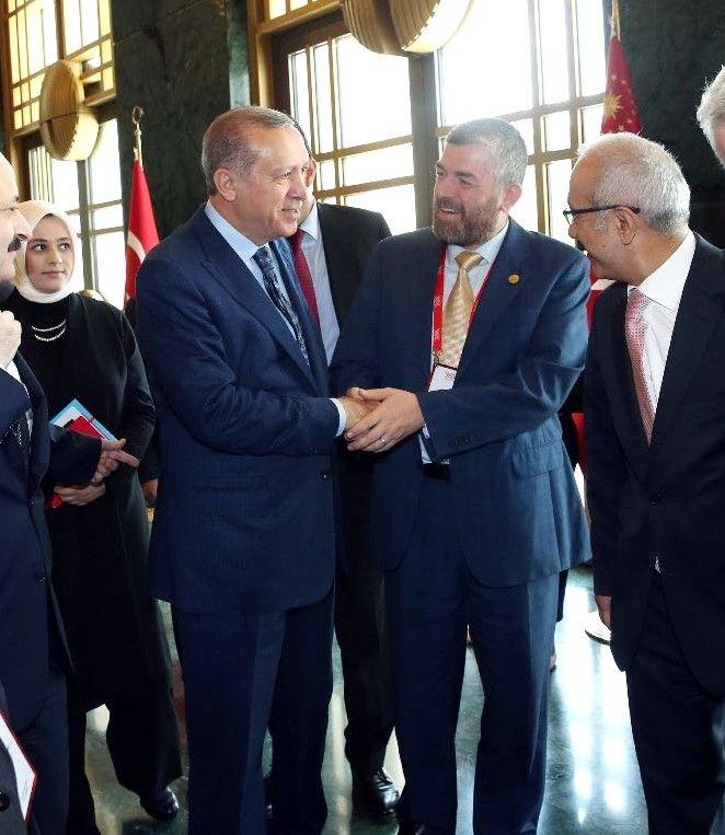 رئيس جامعة طرابلس لبنان أ.د.رأفت محمد رشيد الميقاتي ملتقيا فخامة الرئيس التركي رجب طيب أردوغان (2/2)