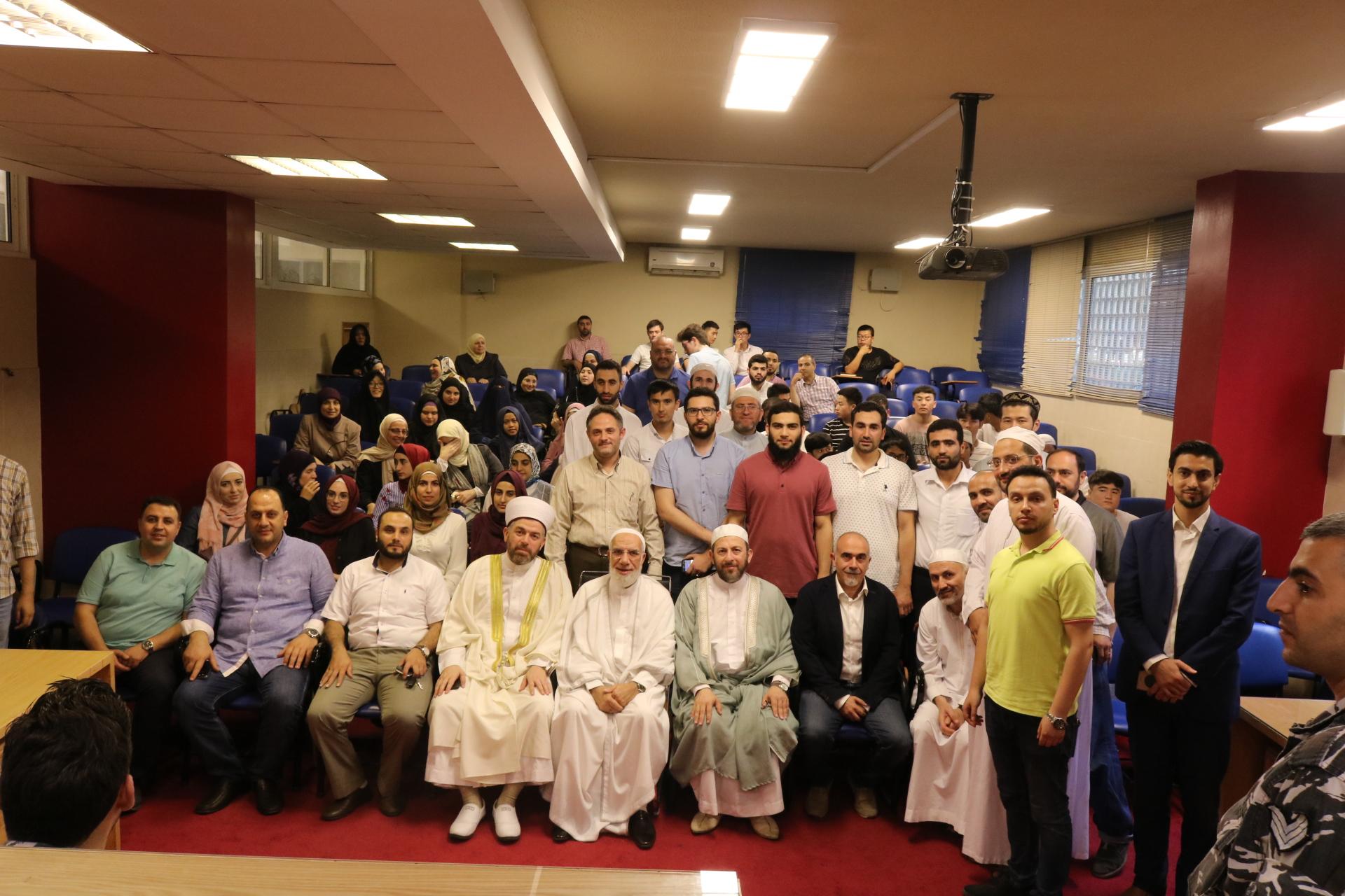 الداعية الدكتور عمر عبد الكافي محاضراً في جامعة طرابلس (3/5)