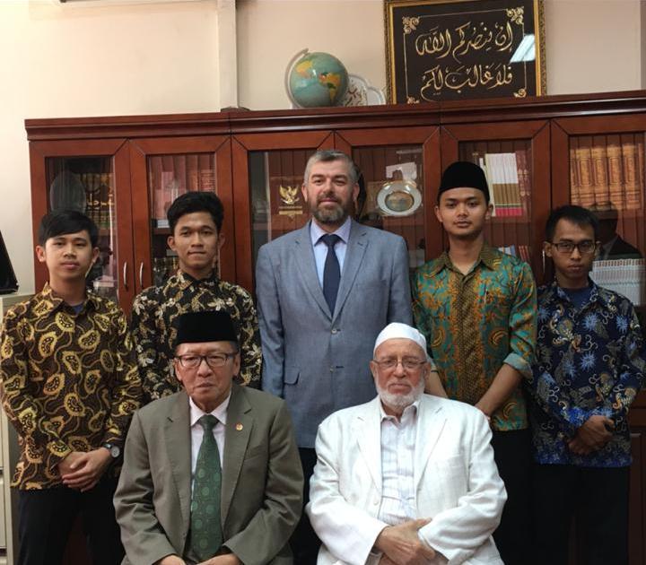 سفير اندونيسيا يزور جامعة طرابلس  (2/2)