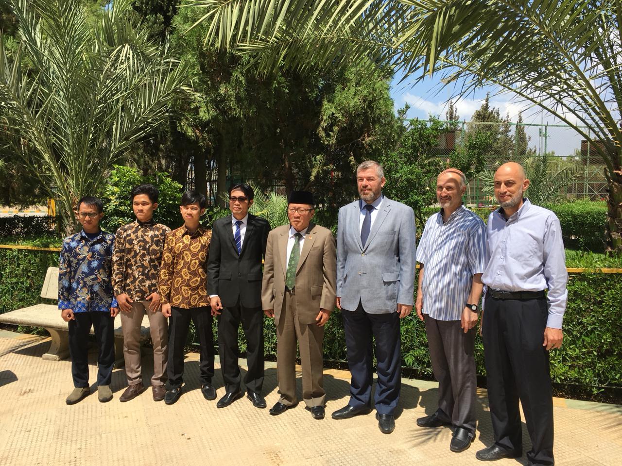 سفير اندونيسيا يزور جامعة طرابلس  (1/2)