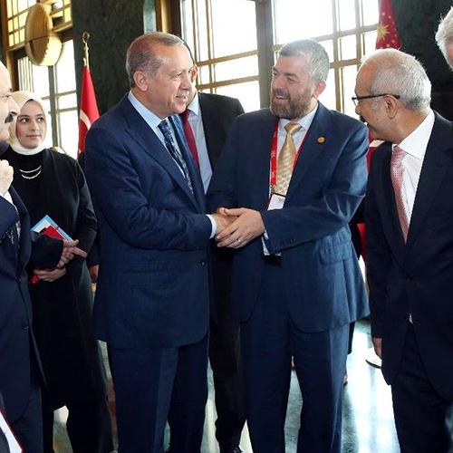 رئيس جامعة طرابلس لبنان أ.د.رأفت محمد رشيد الميقاتي ملتقيا فخامة الرئيس التركي رجب طيب أردوغان (1/2)