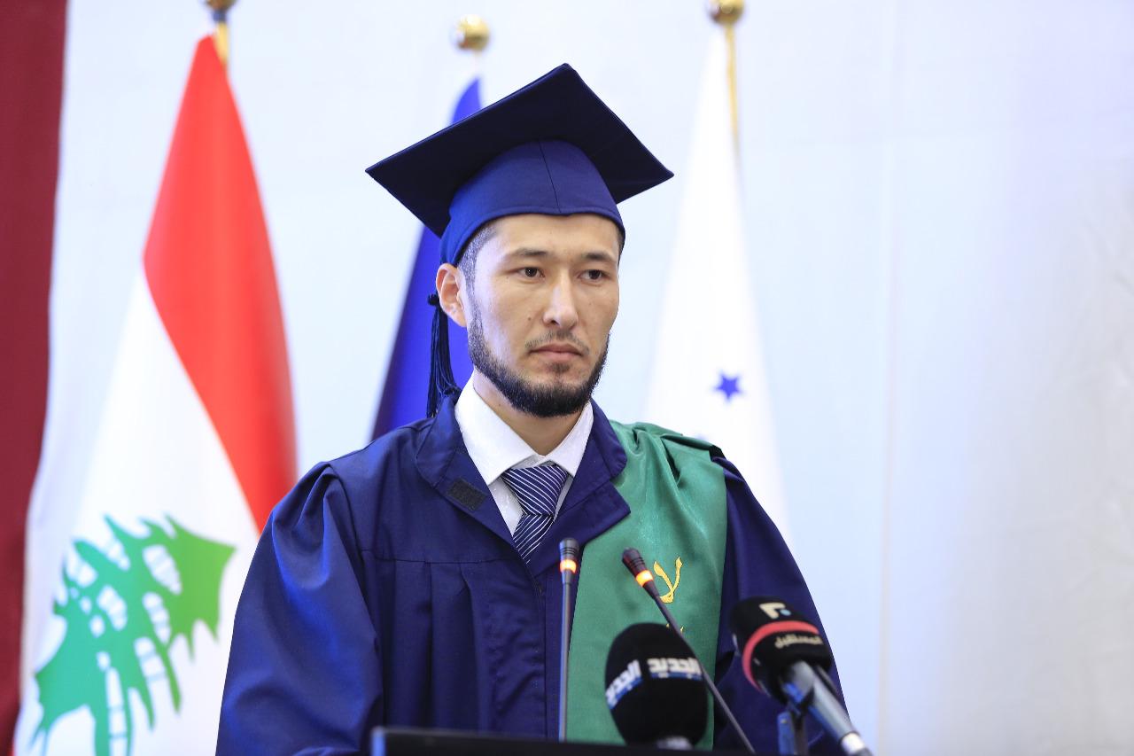 جامعة طرابلس تحتفل بتخريج طلابها (8/23)