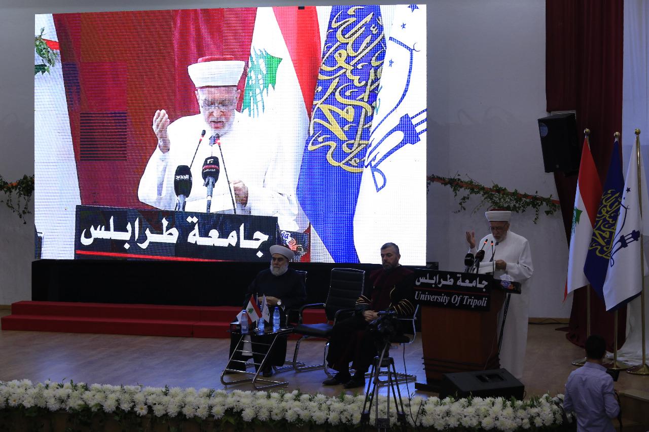 جامعة طرابلس تحتفل بتخريج طلابها (14/23)