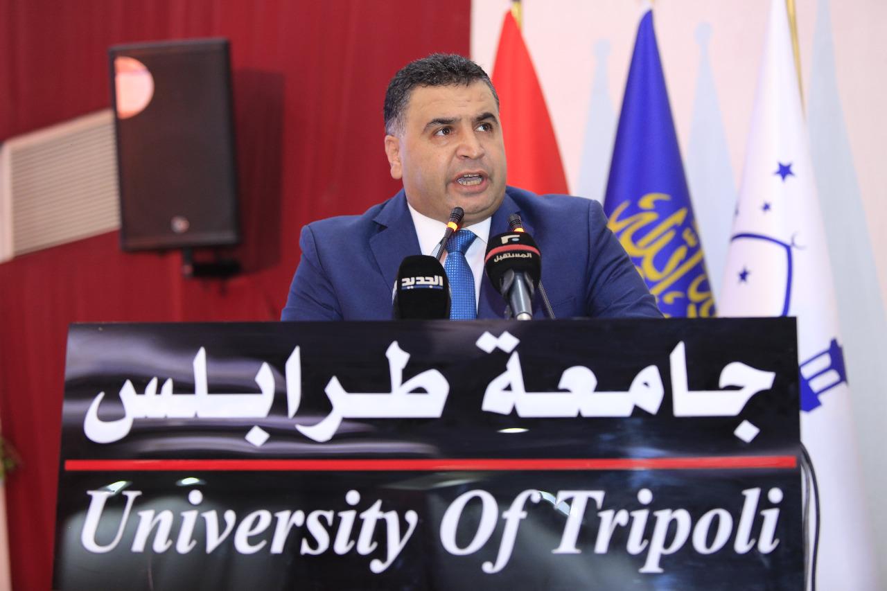 جامعة طرابلس تحتفل بتخريج طلابها (4/23)
