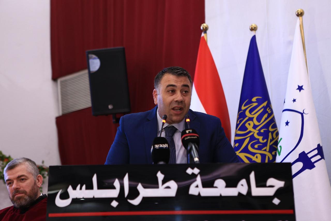 جامعة طرابلس تحتفل بتخريج طلابها (7/23)