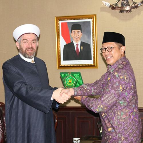 رئيس جامعة طرابلس في زيارة رسمية لجمهورية إندونيسيا (1/8)